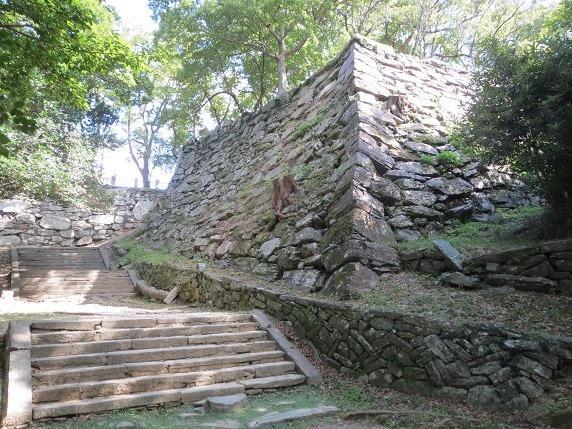 33弓櫓石垣