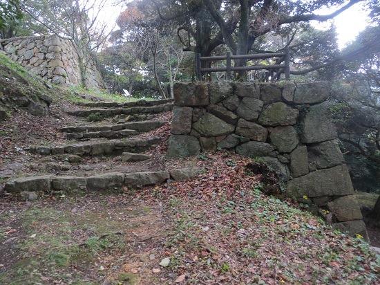 09三丸石垣