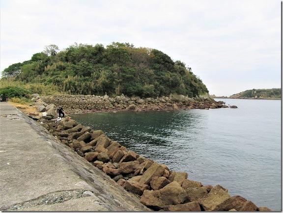 05堤防上から右手前方の四郎が島