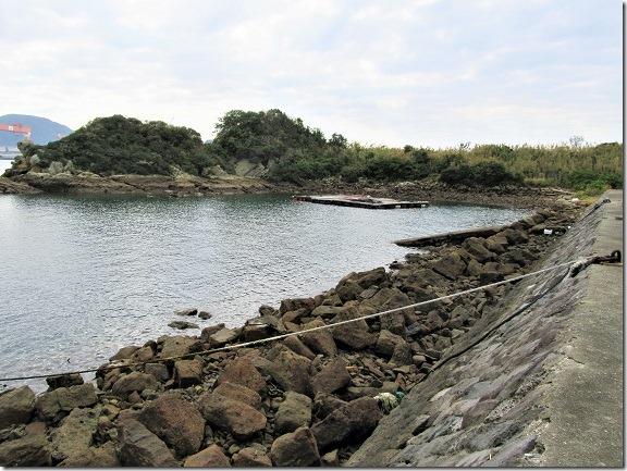09堤防上から左前方の小島